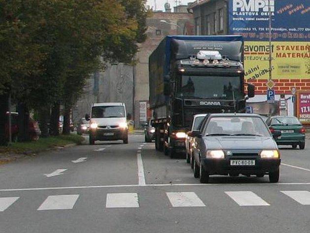 Z Palackého ulice se na Plumlovskou odbočit nedalo.