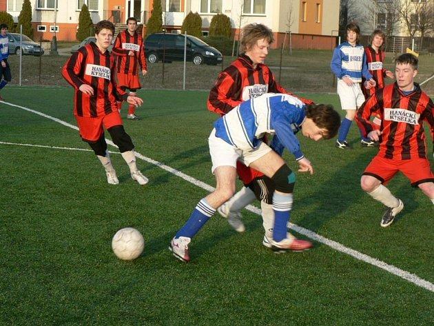 Muži 1. FC Přerov podlehli staršímu dorostu ze stejného oddílu 1:2.
