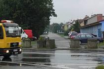 Zátarasy na výjezdu z Tovačovské ulice