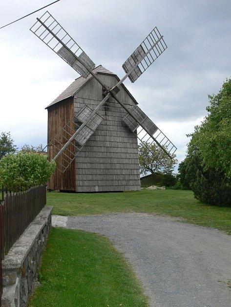 Maršálkův větrný mlýn vPartutovicích