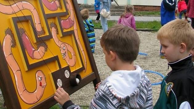 Dětský den na venkovním hřišti Domu dětí a mládeže v Hranicích