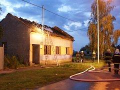 Počin žáháře způsobil na zdevastovaném domě škodu čtyřicet tisíc korun.