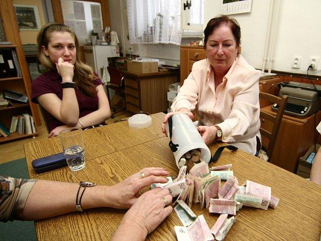 Přes 397 tisíc korun vybrali v rámci Tříkrálové sbírky v Hranicích.