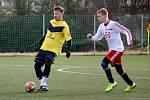 Fotbalisté Tatranu Všechovice padli v přípravě ve Valašském Meziříčí. Marek Heinz u míče