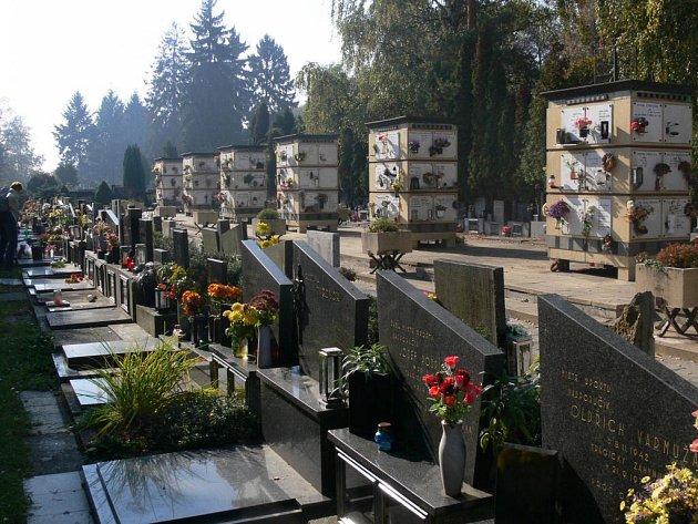 Míst pro uložení uren zbývá na hřbitově asi sedmdesát.
