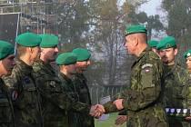 Slavnostní nástup posádky Hranice u příležitosti oslav vzniku samostatného československého státu