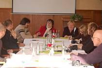 V Přerově se sešli zástupci vládní agentury pro sociální začleňování v romských lokalitách, města a policie.