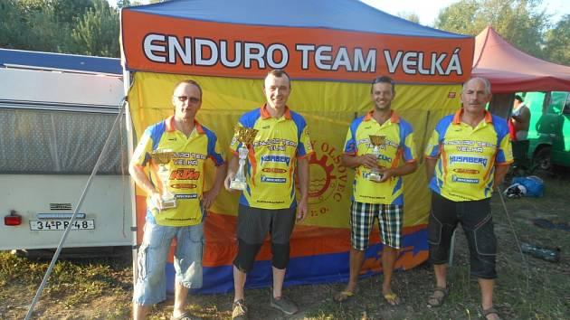Enduro team Velká na závodě