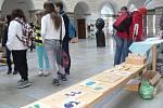 Výstava závěrečných prací studentů Střední průmyslové školy Hranice ve dvoraně zámku