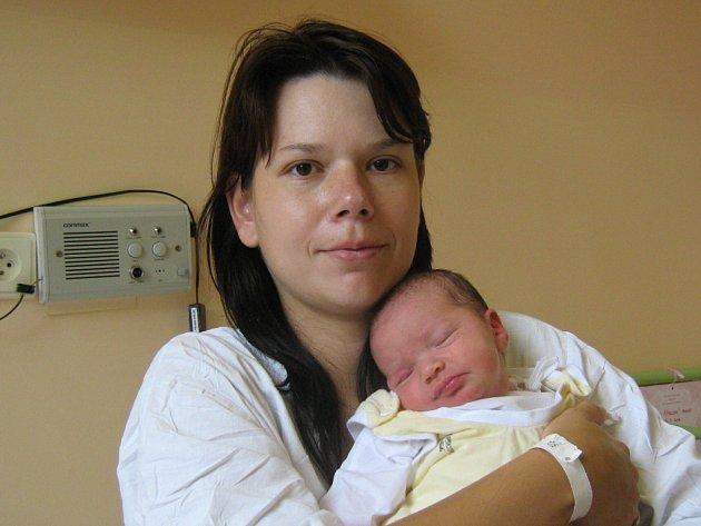 Monika Šipulová, Výkleky, narozena 28. září v Olomouci, míra 51 cm, váha 3640 g