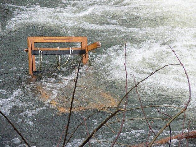 Hranický potok Velička je přehlídkou nejrůznějších odpadků
