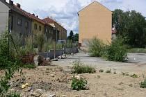 Pozemek na Jaselské ulici v Hranicích je už několik let bez konkrétního využití