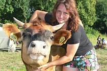 Ludmila Rohelová je spolumajitelkou ranče Na Kačeně. Chová stovky zvířat