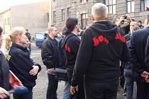 Majitel pozemku ve Škodově ulici v Přerově by rád zabránil případné další návštěvě Národní strany. Podle právníků to však není jednoduché.