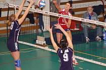 Extraligové volejbalistky PVK Přerov Precheza vyhrály druhé utkání v řadě a práce trenéra Vladimíra Sirvoně se začíná projevovat. V sobotu hrají důležité utkání v Liberci.