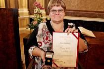 Alena Žajdlíková už nabídla svoji paži kodběru krve na transfúzním oddělení 172krát.