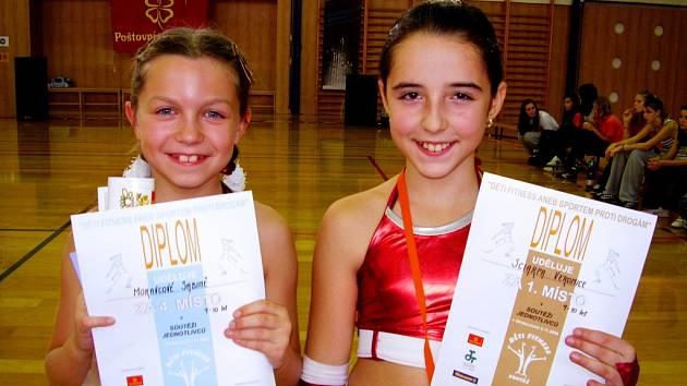 Veronika Sciarpa (vpravo) kategorii 9–10 let vyhrála, Sabina Morávková byla čtvrtá.