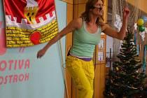 Milovnice tělocviku z Ostrožska a okolí si v sobotu přišly na své. Svůj Den v pohybu a následný Adventní charitativní koncert tam uspořádala známá česká cvičitelka aerobiku Hanka Kynychová.