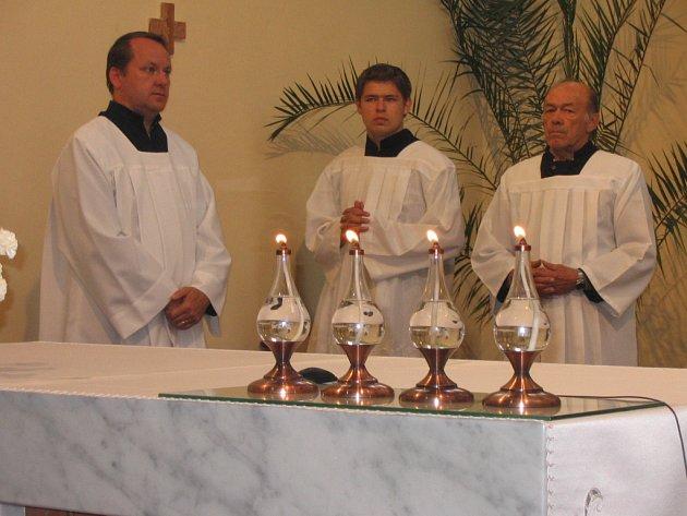 Nejstarším z ministrantů, kteří přišli na setkání byl Filip Tinka (vpravo).