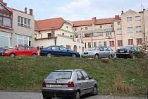 Parkování v centru Uherského Brodu. Ilustrační foto.
