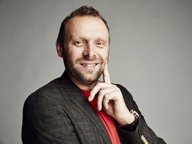 Miloš Knor se představí na benefici v kině Hvězda