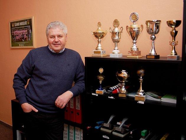 František Miko v novém sídle okresního fotbalového svazu v Uherském Hradišti v Růžové ulici. Fotbalový svaz zde našel díky městu Uherské Hradiště výborné zázemí.
