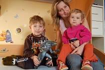 Lenka Smělíková se synem Tomášem a dcerou Anetkou.