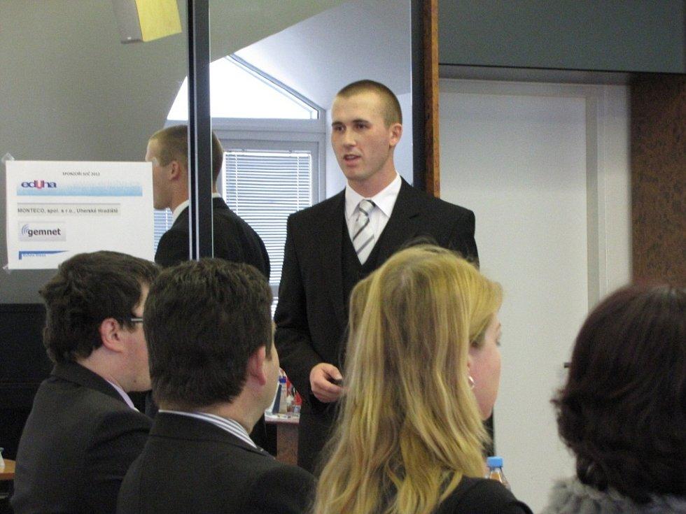 Adam Skovajsa, nominovaný na cenu pro nejoblíbenějšího učitele Zlatý Amos.