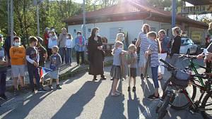 Protest proti uzavřené hranici se Slovenskem na přechodu Strání - Moravské Lieskové
