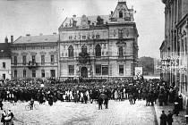 Slavnost na Masarykově náměstí u příležitosti 1.výročí vzniku ČSR. - 28.11.1919.
