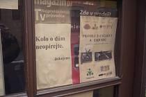 Někteří majitelé domů v Uherském Hradišti už na své budovy umístili nápisy, které upozorňují cyklisty, aby svá kola neopírali o fasádu.