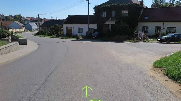 Dopravní nehodu, kdy se měl desetiletý chlapec jedoucí po hlavní silnici na kole od Břestku srazit s autem, řeší dopravní policie od 8. září.