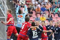 Fotbal Brno (v červeném) - 1. FC Slovácko
