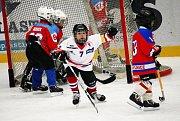 Druháci HC Uherské Hradiště se představili na turnaji ve Vsetíně, kde se utkali s domácími týmy a Brumovem. Všechny zápasy s velkým přehledem vyhráli.