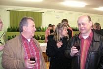 Vinný košt v Hostějově je podle pořadatelů především setkáním přátel.