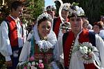 Ukázka krojované svatby v Horním Němčí 20. srpna 2016.
