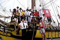 Plachetnice La Grace si ve Středozemním moři dojela pro prvenství.