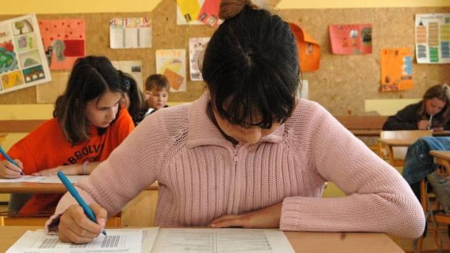 Uchazeči o studium na gymnáziu v Uherském Hradišti se dnes podrobili přijímacím zkouškám.