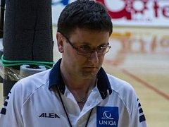 Třiatřicetiletý Tomáš Zimmermann se stal extraligovým rozhodčím.