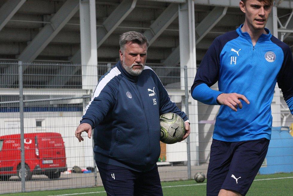 Trenér Jiří Saňák skončil ve Slovácku a vrací se zpátky do Olomouce.