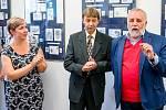 V Galerii Na Měšťance ve Vlčnově je kvidění výstava snázvem Jaroslav Tvrdoň, grafik a rytec. (Na snímku uprostřed)