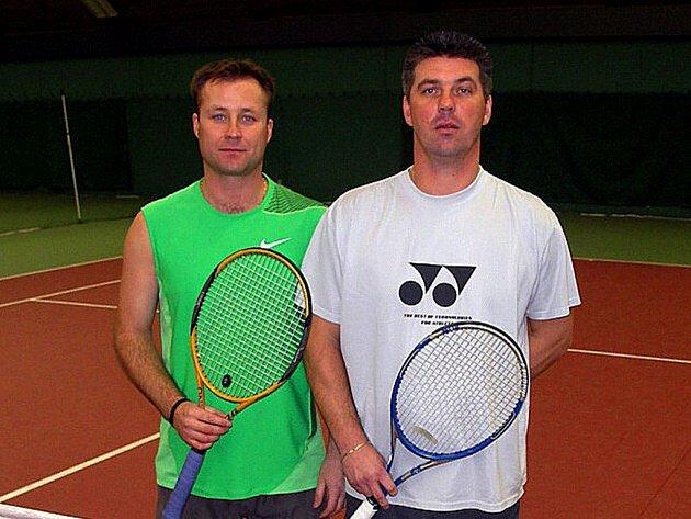 Milan Andrýsek (vlevo) a Petr Červinka se probojovali na mistrovství republiky ve čtyřhrách.