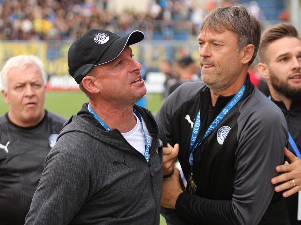 Trenér Slovácka Martin Svědík v derby se Zlínem