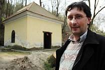 Kapli ohrožuje především vlhkost, která podle místostarosty Bořka Žižlavského (na snímku) ničí zdivo.