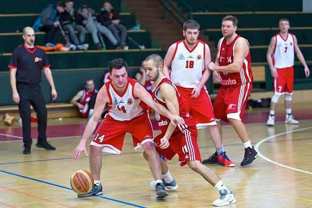 Spartak Uherský Brod (v bílém) vs. Svitavy