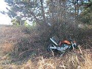 Zraněného motorkáře transportoval do nemocnice vrtulník