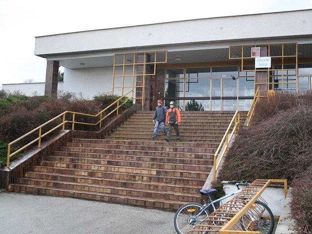Škola ve Vlčnově.