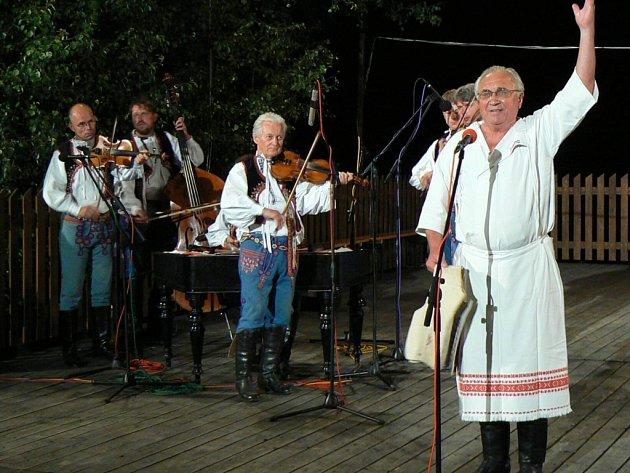 Každoroční hosté Dušan Holý a Horňácká muzika Martina Hrbáče.