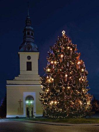 Vánoční strom vNivnici