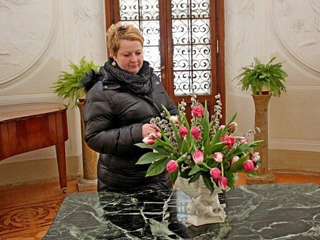 Tulipomanie v buchlovickém zámku láká návštěvníky vznešenými  květinami jara.